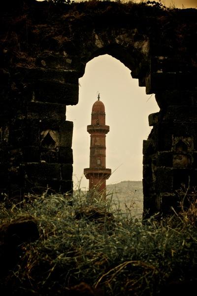 Chand Minar, Daulatabad Fort.jpg
